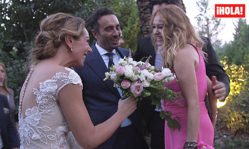 En vídeo: el momento en el que Rocío entregó su ramo, los bailes y canciones de los invitados...