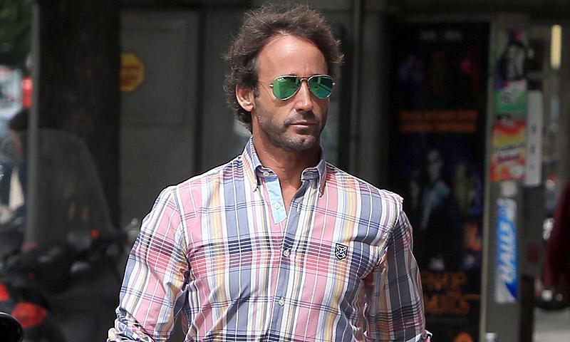 Álvaro Muñoz Escassi se trae a su novia a España