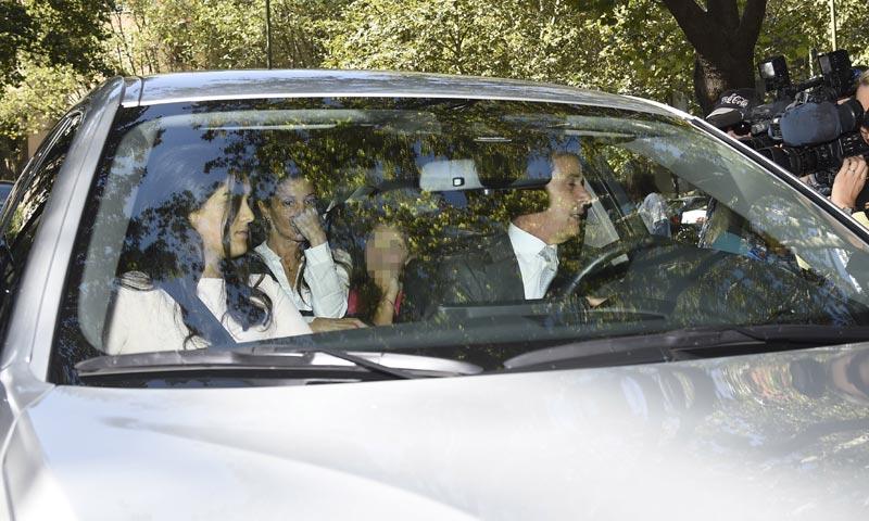 Un paso más en su relación: Cayetano Martínez de Irujo acude con su novia, Bárbara Mirjan
