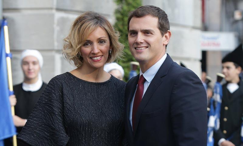Beatriz Tajuelo, novia de Albert Rivera, se pone romántica en Twitter