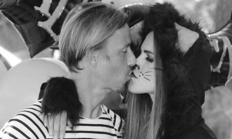 Guti cumple 40 años y lo celebra con un beso… 'de miedo'