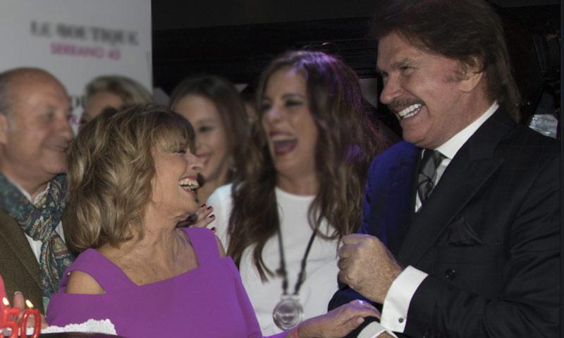 María Teresa Campos y Edmundo Arrocet, sonrisas cómplices en el cumpleaños de Carmen Borrego