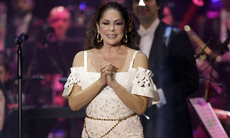Lágrimas, miradas y recuerdos... Todos los detalles del regreso de Isabel Pantoja a los escenarios