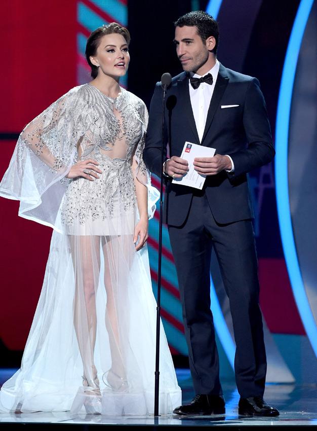 FOTOGALERÍA: El beso de Jennifer López y Marc Anthony, los 'looks' más llamativos... Los mejores momentos de los Grammy Latinos