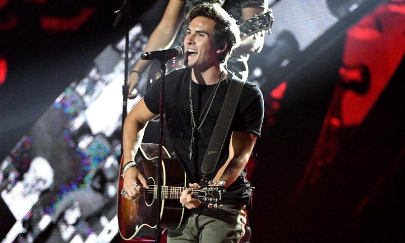 Andrés Ceballos, cantante de DVICIO, pide perdón por su error en los Grammy Latinos