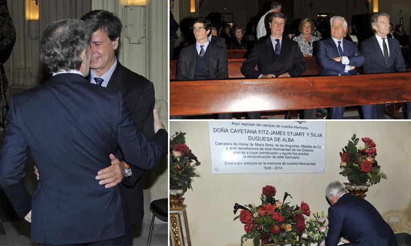 Entrañable encuentro entre Alfonso Diez y los hijos de la Duquesa de Alba en un funeral homenaje en memoria de doña Cayetana