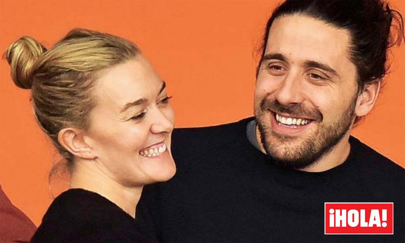 En ¡HOLA!, Marta Ortega y Carlos Torretta, románticos y enamorados en la hípica