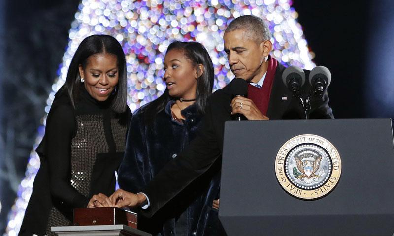 Barack Obama inaugura oficialmente sus últimas Navidades en la Casa Blanca