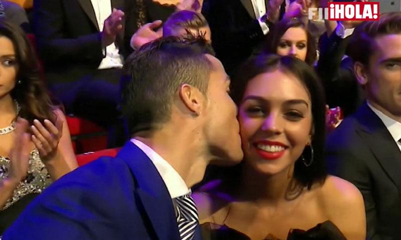 El beso de Cristiano Ronaldo a su novia, Georgina Rodríguez, en los premios The Best