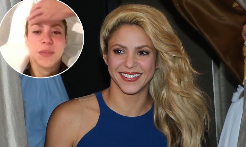 Shakira se 'relaja' poniéndose en manos de su peluquero personal... ¡Gerard Piqué!