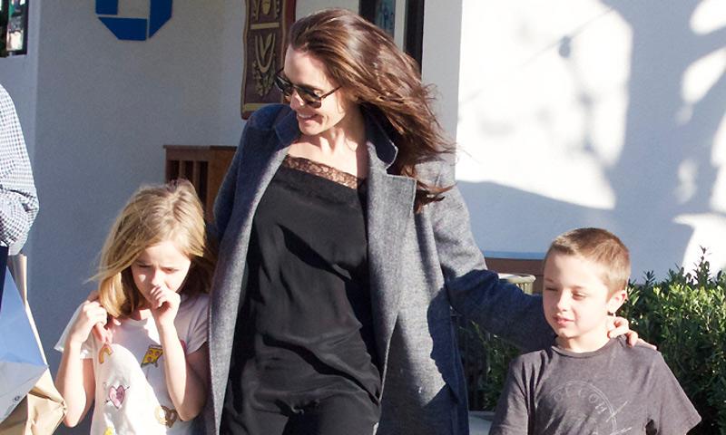 Angelina Jolie retoma su vida, alejada de los focos