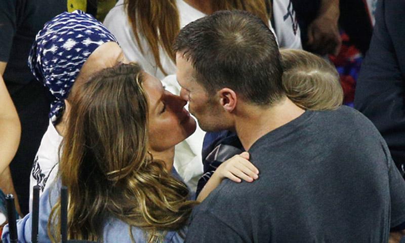 El beso del triunfo en la Superbowl: Gisele Bündchen y Tom Brady