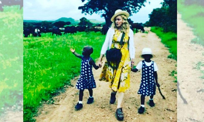La fotografía con la que Madonna confirma la adopción de dos niñas de Malawi