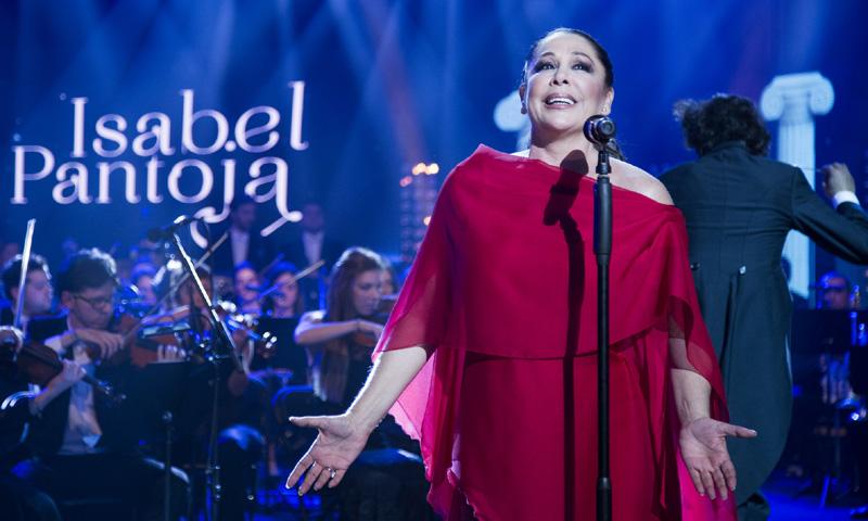 El sorprendente regalo que las fans de Isabel Pantoja le llevaron a su casa antes de su primer concierto