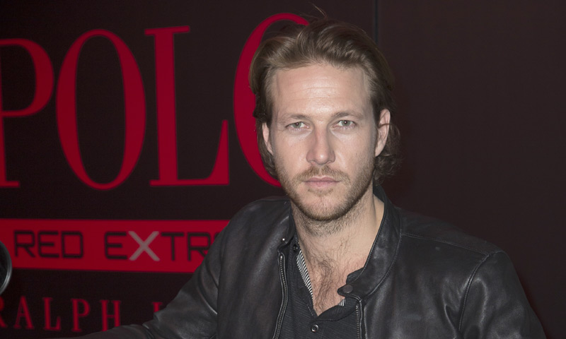Luke Bracey, un atractivo actor 'Made in Australia' tras los pasos de Chris Hemsworth