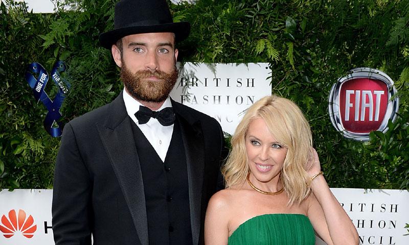 Kylie Minogue pasa página y rompe su silencio tras su ruptura con Joshua Sasse