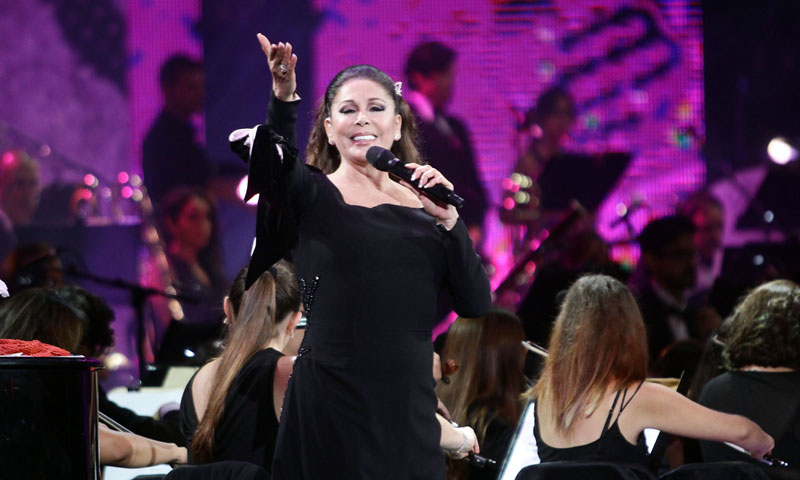 Todas las anécdotas del aplaudido concierto de Isabel Pantoja en Chile con sus hijos y Maluma como testigos