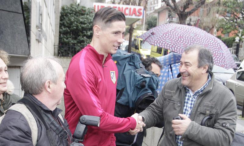 Fernando Torres abandona el hospital, recuperado del dramático golpe que le dejó inconsciente