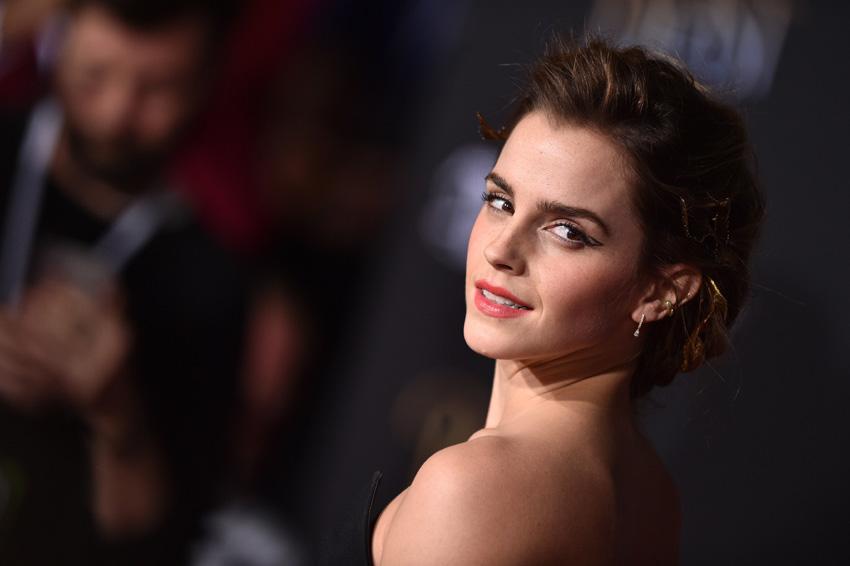 Emma Watson para una entrevista con una periodista española... ¿por qué?