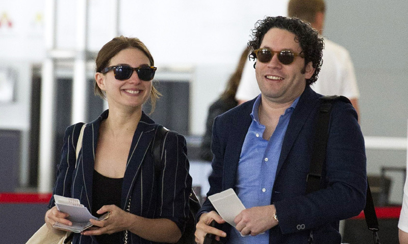 Primicia: La actriz María Valverde se casa por sorpresa con el director de orquesta Gustavo Dudamel