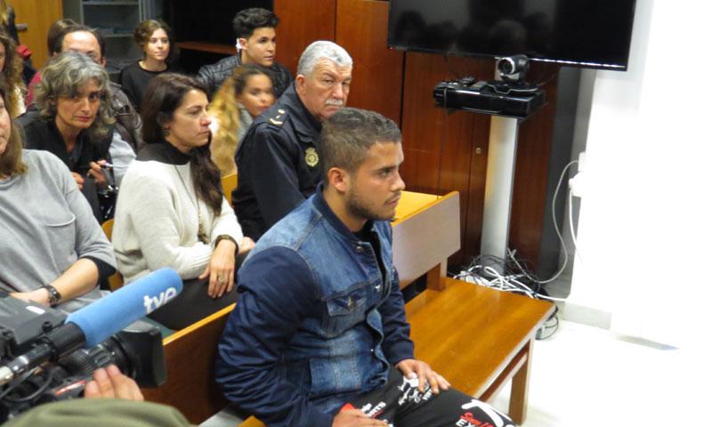 José Fernando, hijo de Ortega Cano, se sienta en el banquillo de los acusados