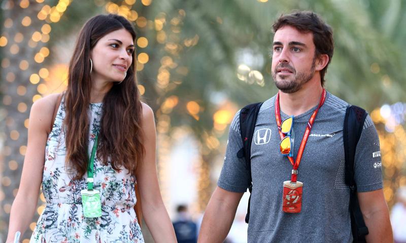 ¡Besos y más besos! Fernando Alonso se pone romántico con Linda Morselli