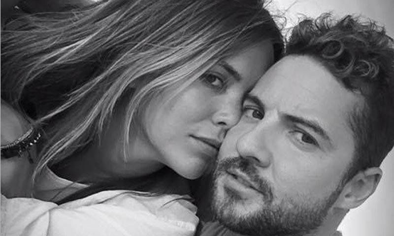 David Bisbal y Rosanna Zanetti sellan su amor en el Ayuntamiento de Ajalvir