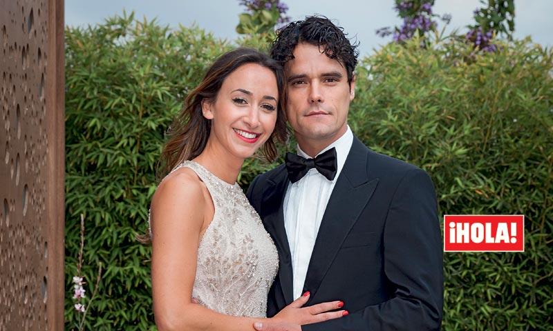 En ¡HOLA!, Miguel Abellán presenta a su novia en la boda de Fonsi Nieto