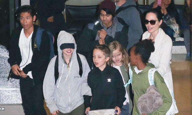 Angelina Jolie reaparece con sus hijos tras la dura confesión de Brad Pitt