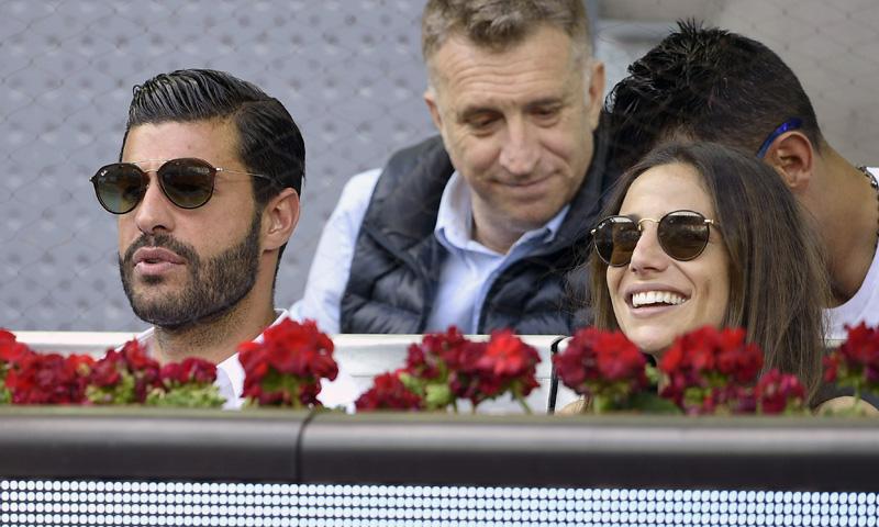 Lucía Villalón se divierte en el tenis, ¿quién es su guapo acompañante?