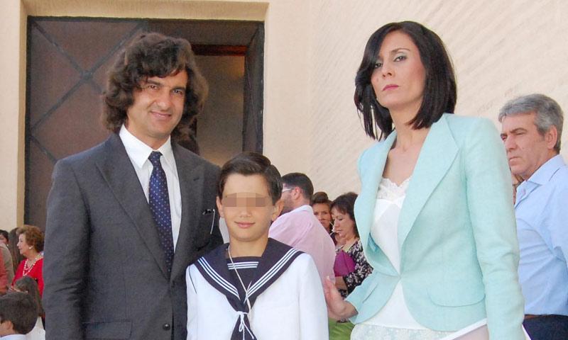 Morante de la Puebla y su exmujer, unidos en la Primera Comunión de su hijo