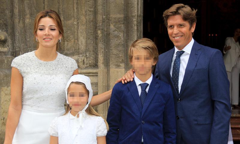 Manuel Díaz y Virginia Troconis celebran la Primera Comunión de su hija Triana