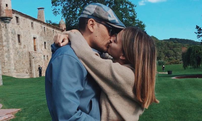 En exclusiva, el inesperado momento que escogió Laura Escanes para escribir sus románticos votos a Risto Mejide