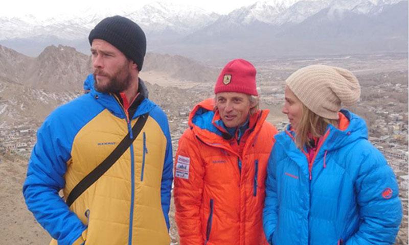 El 'viaje de la discordia' de Chris Hemsworth y Elsa Pataky por fin en antena