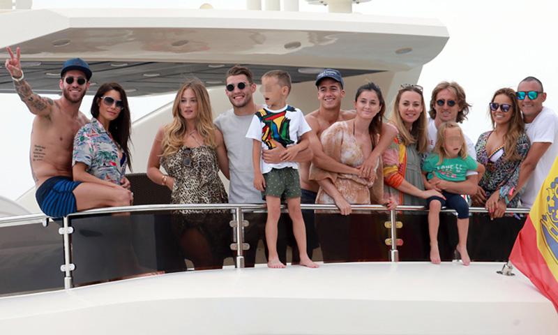¡En Ibiza y a bordo de un espectacular yate! Así se relaja el Real Madrid antes de la final de la Champions