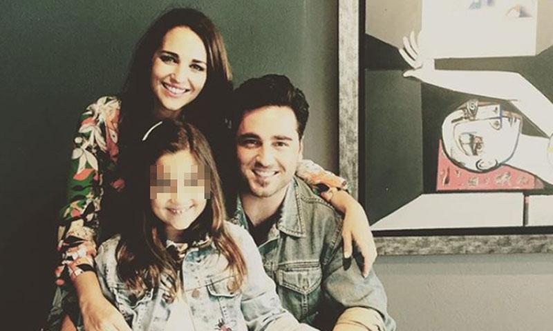 Paula Echevarría y David Bustamante posan juntos y en familia horas antes de la comunión de Daniella