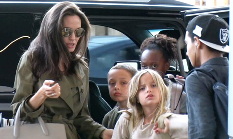 Angelina Jolie celebra el Día del Padre de vacaciones con sus hijos