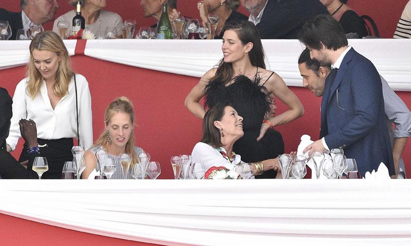 ¿Qué hacen juntos Marta Ortega y Carlos Torretta junto a Carlota y Carolina de Mónaco?