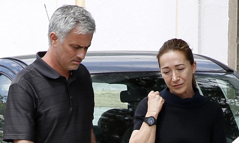 El entrenador José Mourinho, destrozado por la muerte de su padre