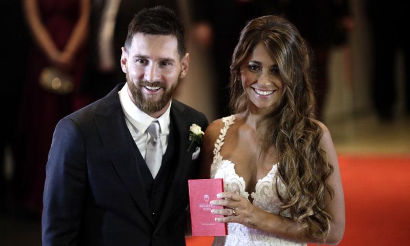 Matrimonio De Messi : Leo messi y antonela roccuzzo sellan su amor con anillo ¡y