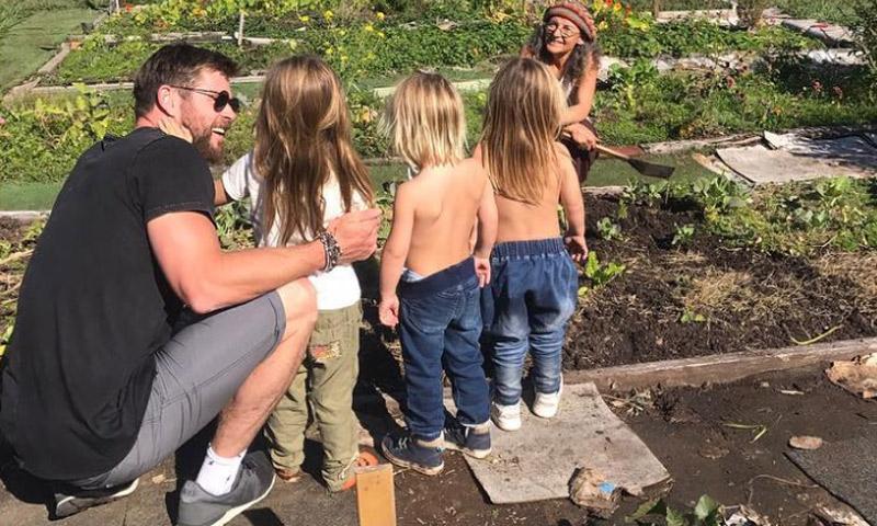 ¡Papá jardinero! Chris Hemsworth muestra una nueva faceta con sus hijos
