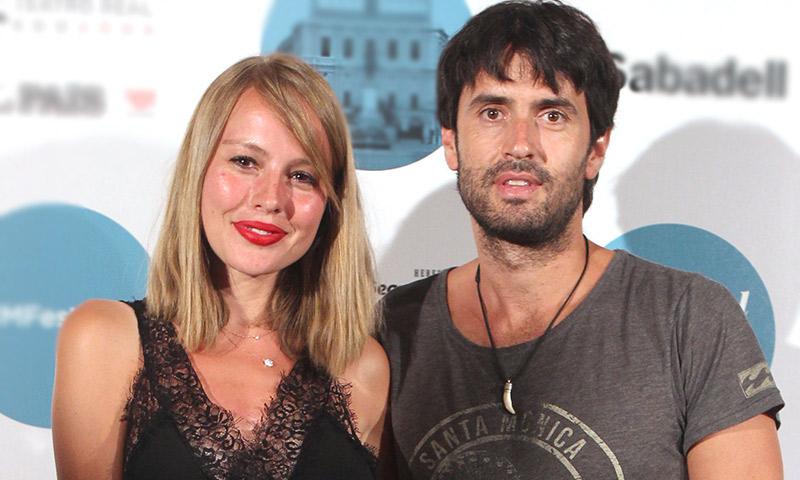 Esmeralda Moya y Carlos García más románticos que nunca en su quinto aniversario