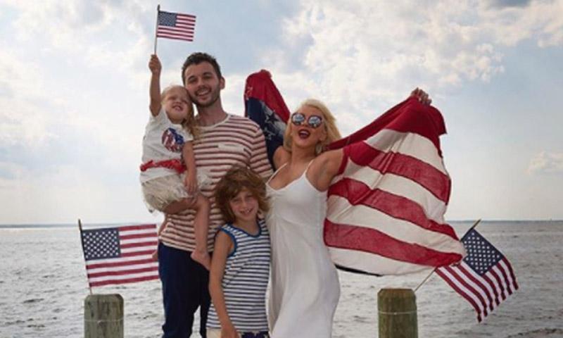 En yate, con un chapuzón o en familia: así disfrutan las 'celebs' el 4 de julio
