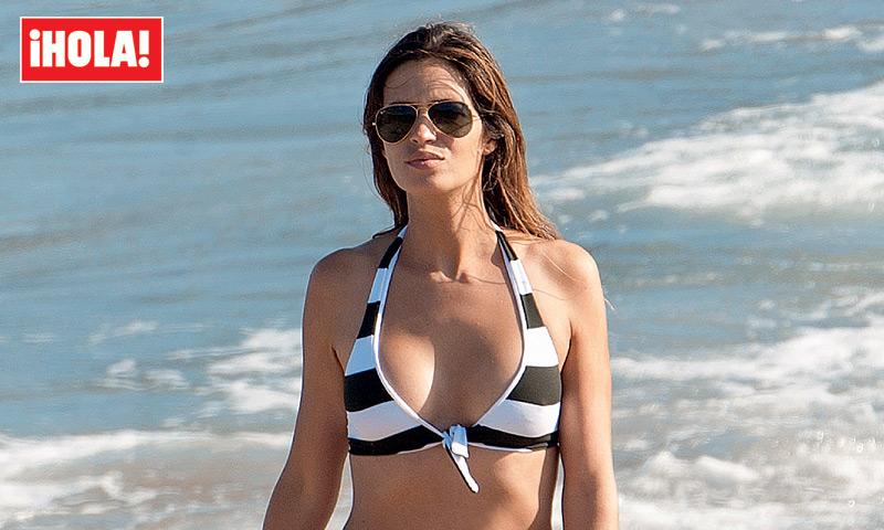 En ¡HOLA!: Sara Carbonero, espectacular en bikini