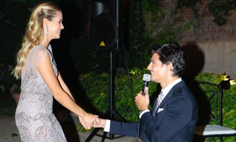 ¡De una boda sale otra boda! Javier de Miguel le pide matrimonio a Mirian Pérez