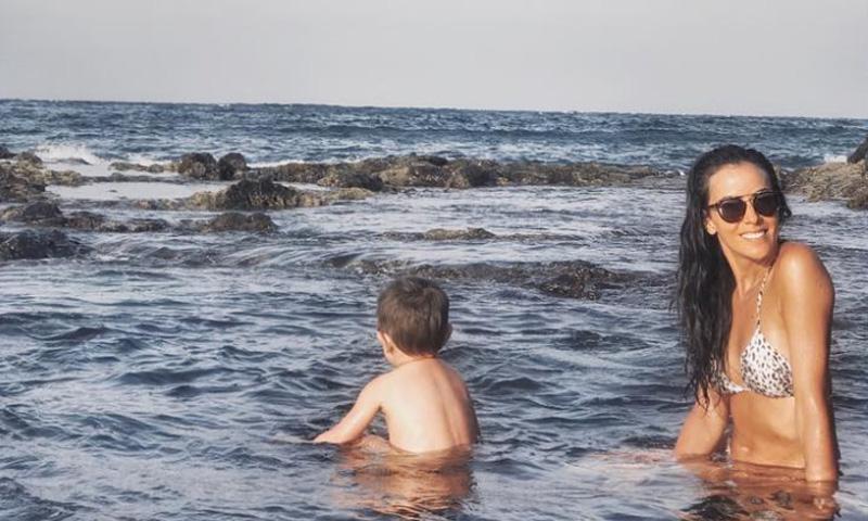Las idílicas vacaciones de Raquel del Rosario en su isla