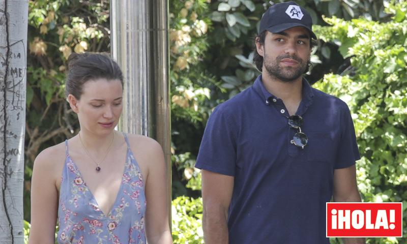 Diego Osorio y Jordan Joy Hewson, hija de Bono de U2, romántica escapada a la isla bonita