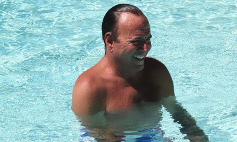 Julio Iglesias se despide de sus vacaciones en Marbella