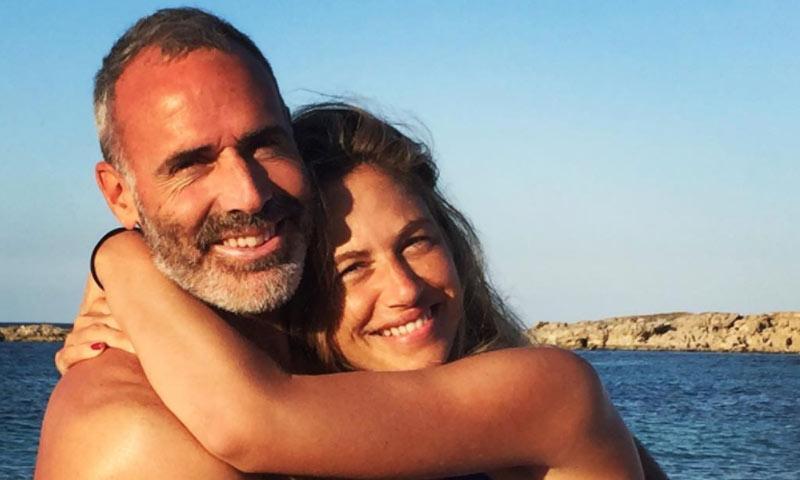 Las preciosas fotos de Martina Klein y Alex Corretja en sus primeras vacaciones con su hija