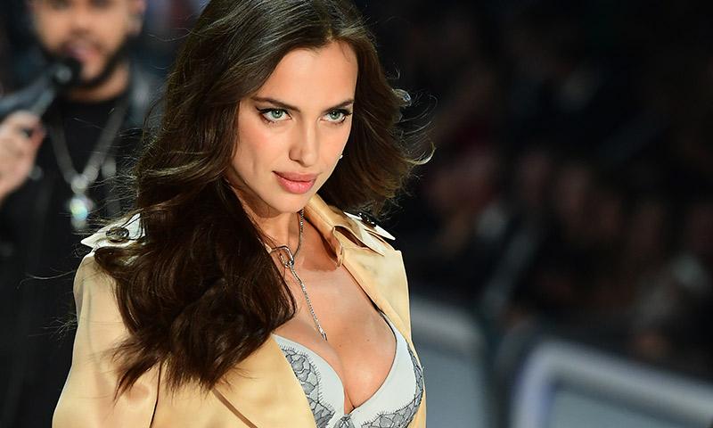 Irina Shayk presume de cuerpazo en bikini cinco meses después de dar a luz